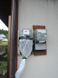 電圧上昇抑制データロガー設置状況