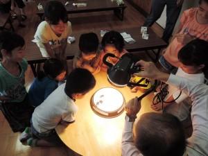 再エネ事業田野小児童クラブ ソーラーバッタ相撲大会